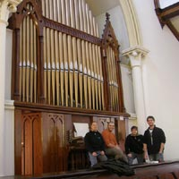 The Schulte team in front of the Steere&Turner-organ of Keene, NH (USA)